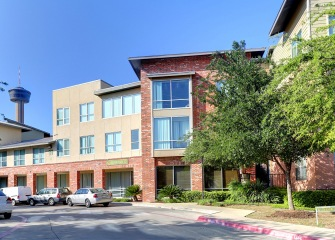 Refugio Place three story apartments with large windows