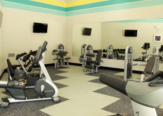 Sonterra Blue fitness center with cardio machines