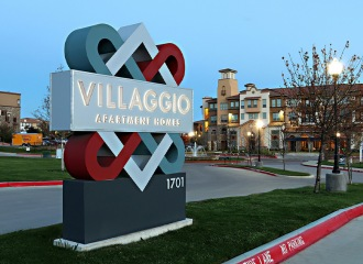 Villaggio entrance sign