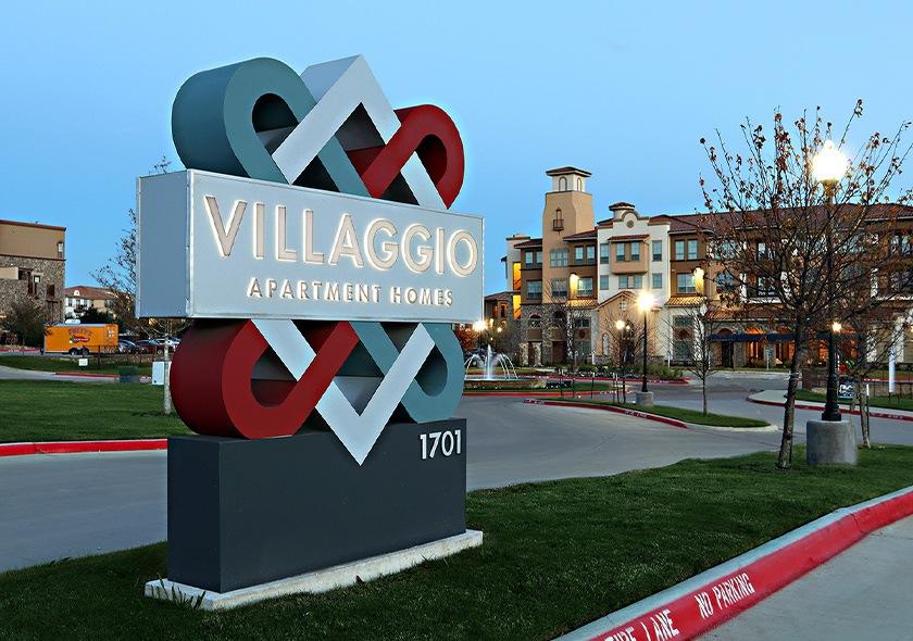 Villaggio entrance sign